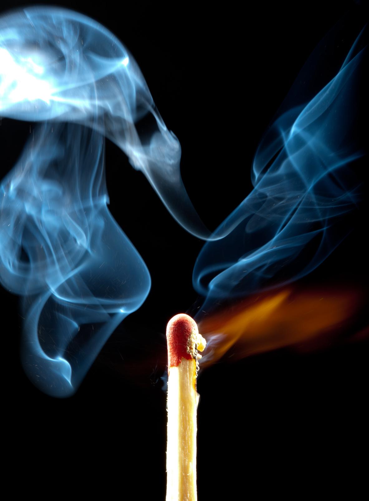 Streichholz Feuer Brand Rauch
