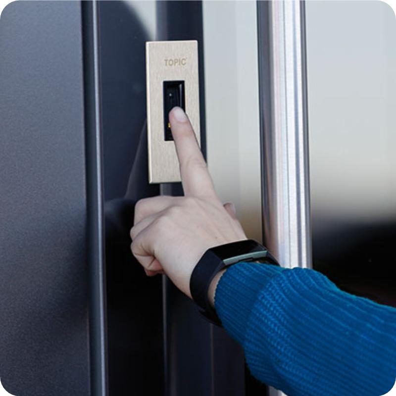 Sicherheitstür Holz Haustür Fingerprint Biometrie
